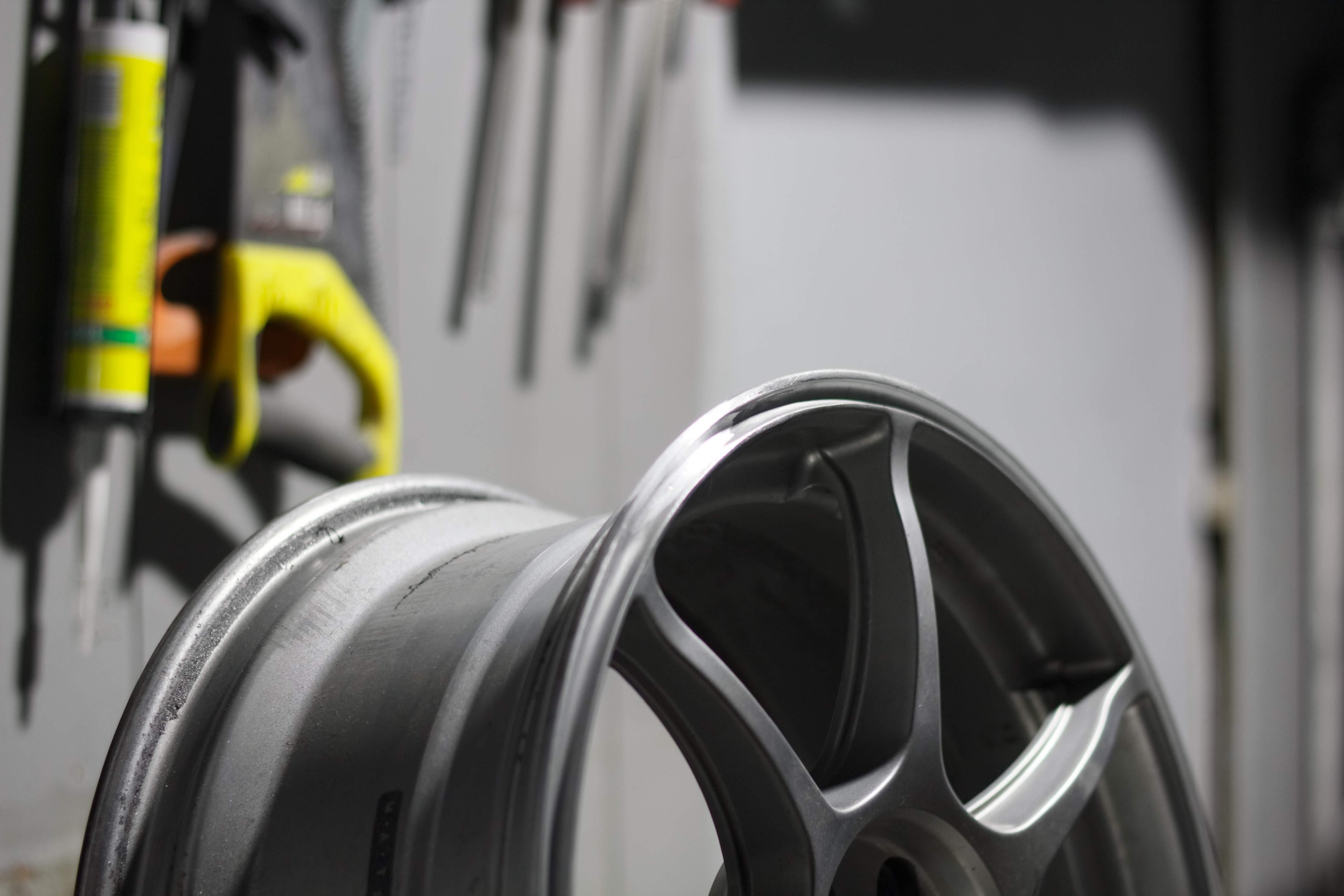 Ремонт литых дисков в сервисе MaxiWheels
