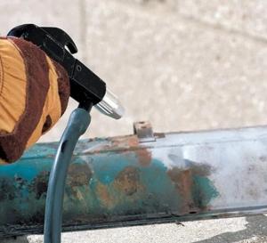 Удаление окалины при помощи пескоструйной обработки